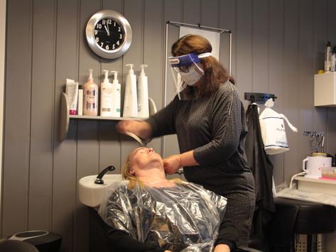 Eva Retterholt, frisøren med kirurgisk nøyaktighet -i sveiseutstyr