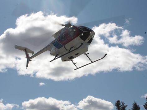 Helikopter landet ved Engesland kirke uten dramatikk- Fra Tovdal til Iveland