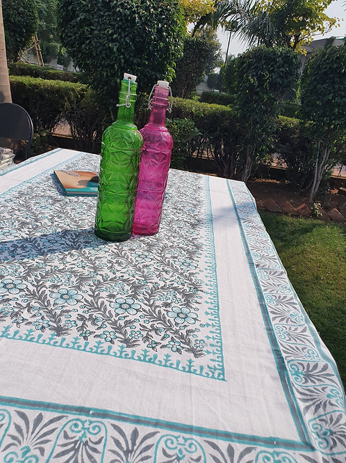 table cover and napkin set for 6 seater