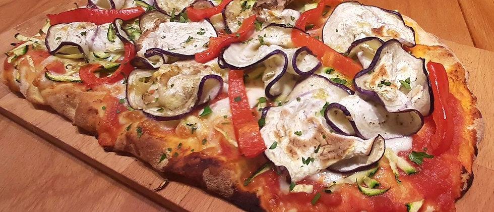 VEGETARIANA: pomodoro , mozzarella , zucchine, melanzane, peperoni