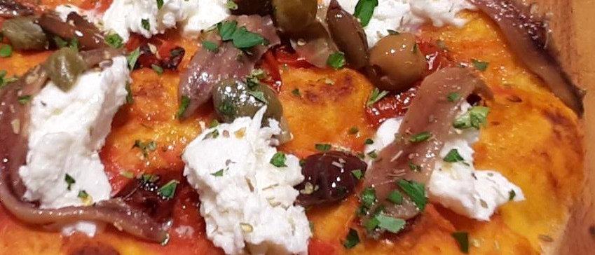ROMANA: pom., mozzarella, acciughe, capperi, olive