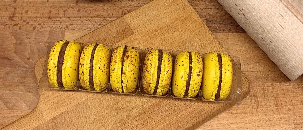 MACARON X6: Frutto della passione e cioccolato
