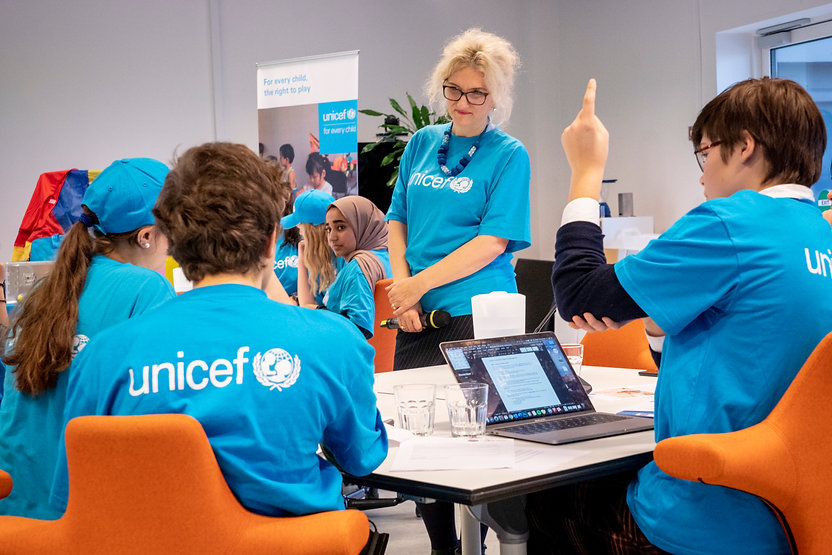 Unicef_CRC_ChildrenVisiting_AS_003.jpg