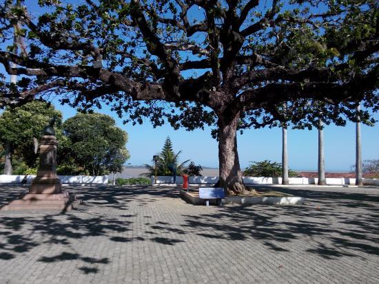 Praça do Santuário de Anchieta