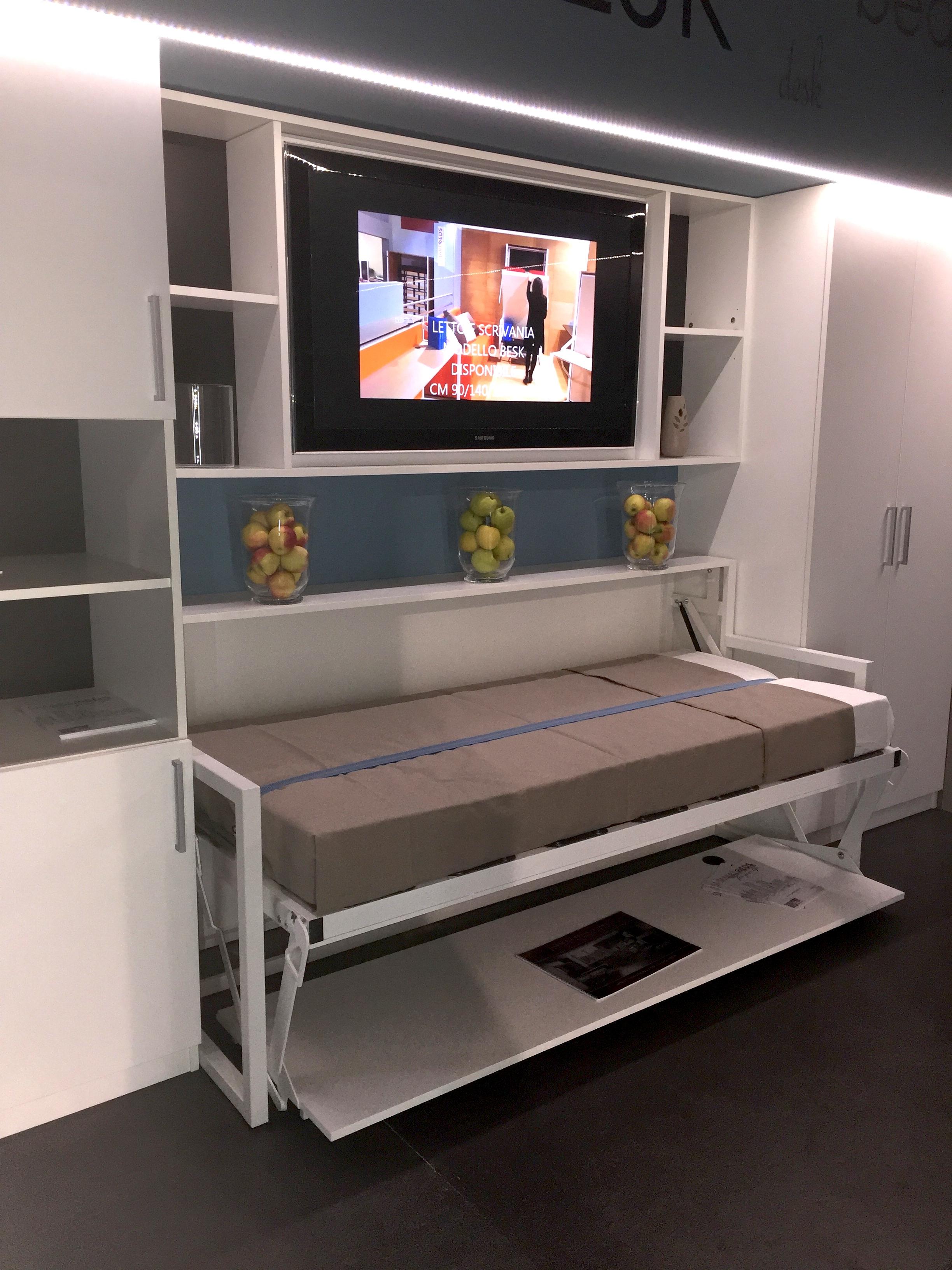 B-Esk Freestanding horizontal Bed
