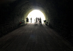 Velocipedes sing in the tunnel