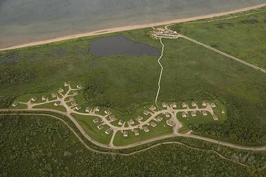 Vue aérienne des Chalets de l'Aboiteau
