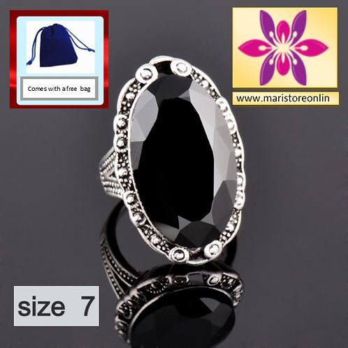 Vintage Big Black Oval Ring