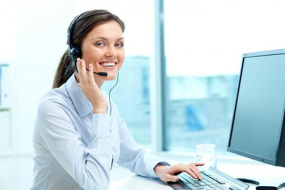 businesswoman-call-center-office_1098-98