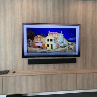 LG GX GALLERY TV