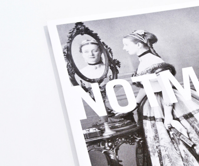 COLLECTION DE PRODUITS POUR L'EXPOSITION NOTMAN: PHOTOGRAPHE VISIONNAIRE