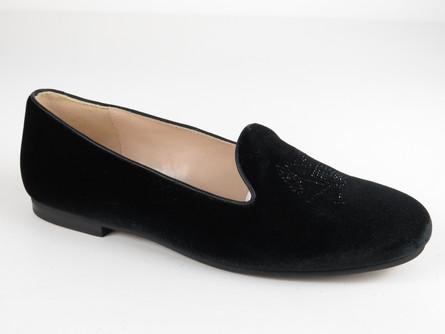 1686 Black Velvet.