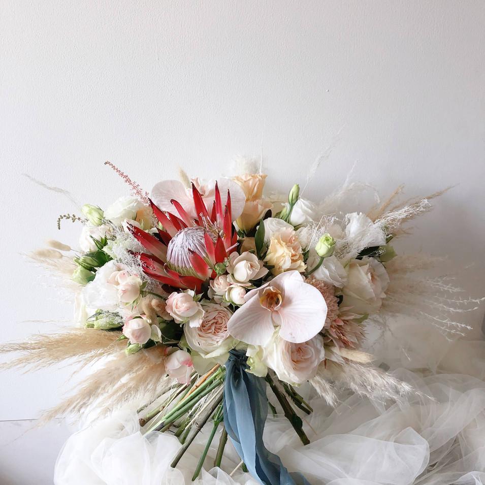 Wide Bouquet