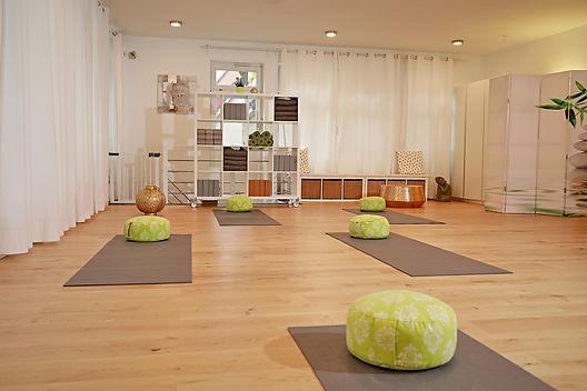 _SB30672+Yoga+Atelier+Vaihingen.jpg