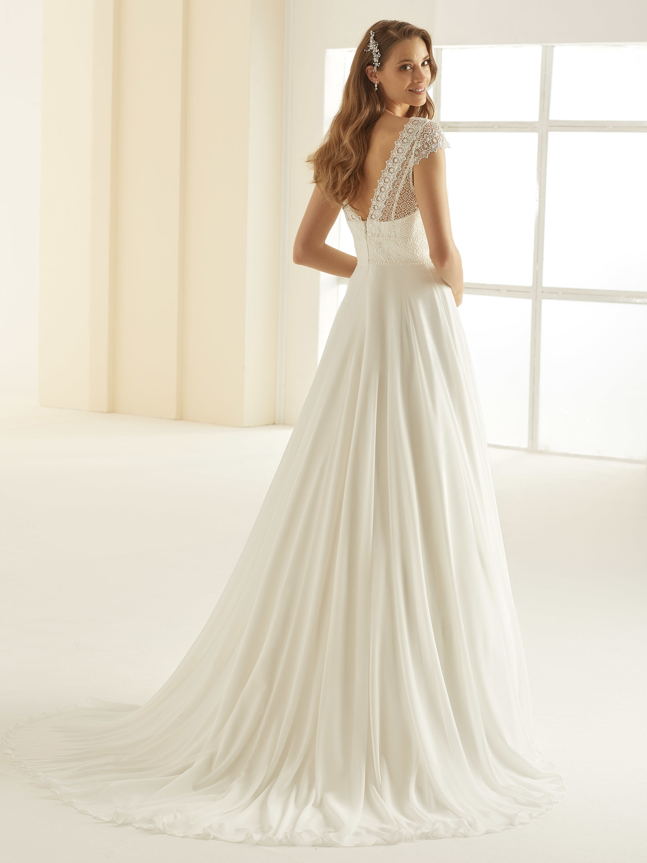 bianco-evento-bridal-dress-margaret-_3__