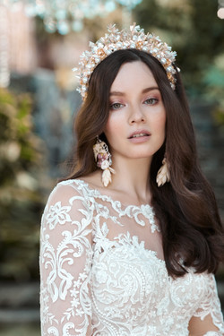 High - Maggie-Sottero-Lydia-Anne-20MS697LT-PROMO5-ND-Uncropped.jpg