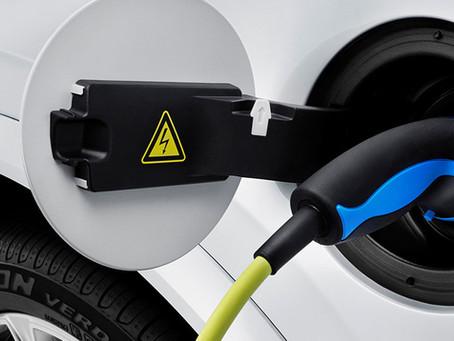 Elektromobil v Česku: Koupit, nebo ne?