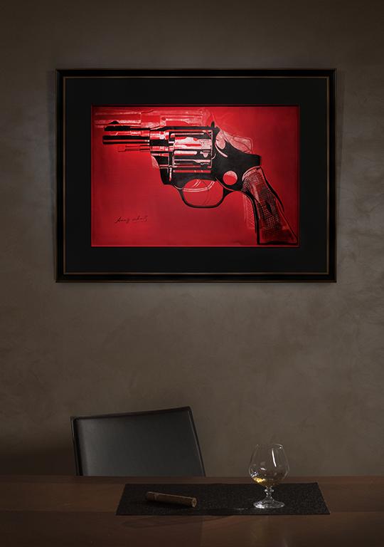 Gun | Andy Warhol | в интерьере art.vin