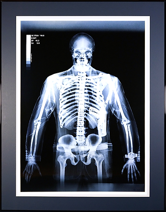 Телохранитель | охранник | мужчина с оружием | Gun Man  | Ник Визи | Nick Veasey| рентген | art.vin | Artmagic | Артмагия