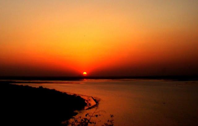 Sunset at Upper lake! ©Monish Shrivastava | All rights reserved