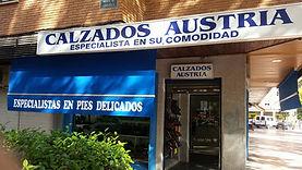 Alt text zapatos en Alcalá de Henares