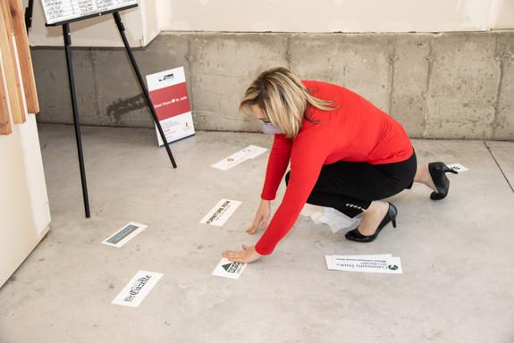floor signing 2020-4.jpg