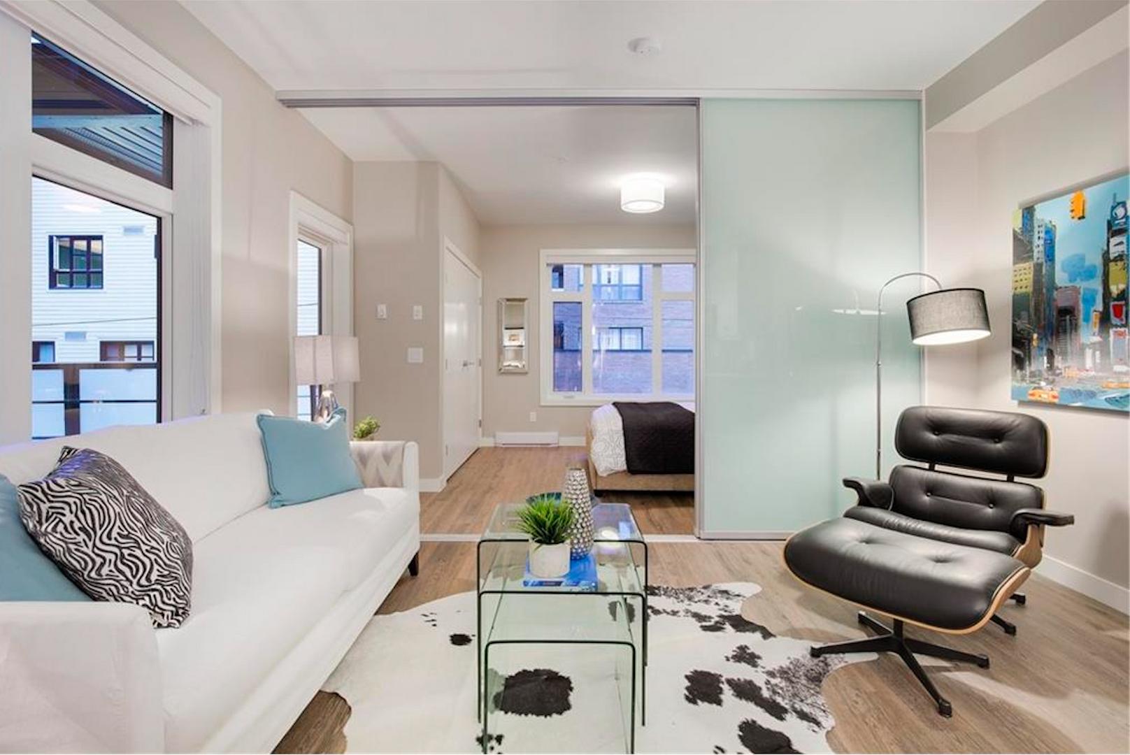 Suite with barnstyle door