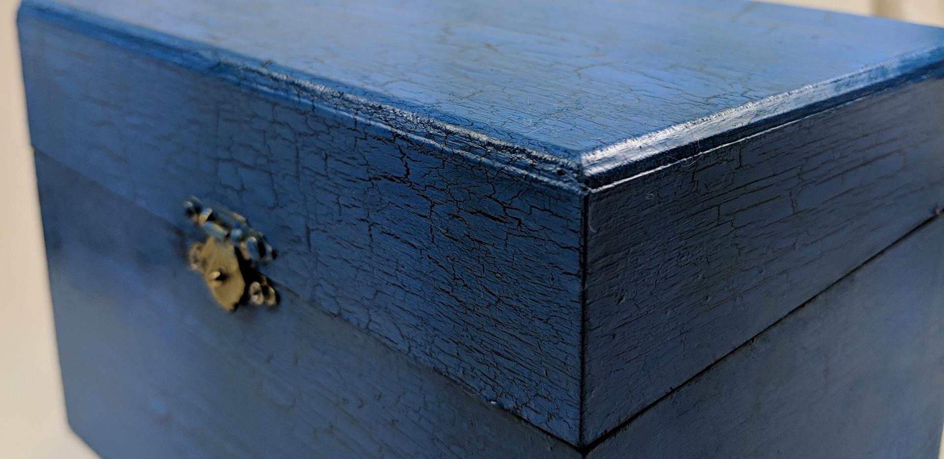 Crackled Box