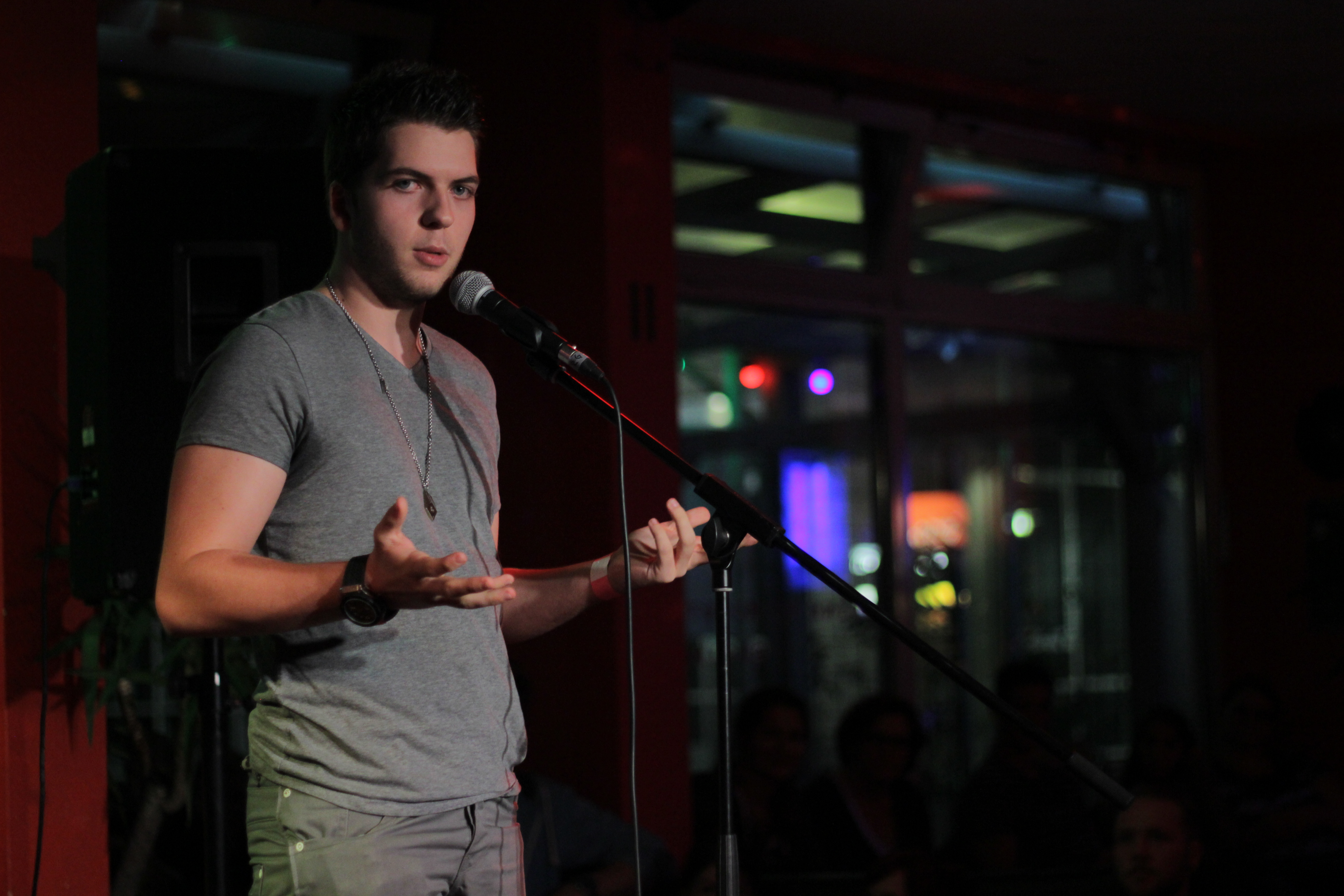 Alexander Straub Comedy Stand Up BK
