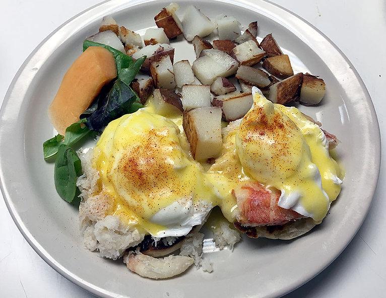 Eggs-Benedict-with-crab.jpg