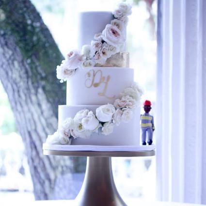 Wedding Cake Florals (Fresh vs. Fake vs. Edible)