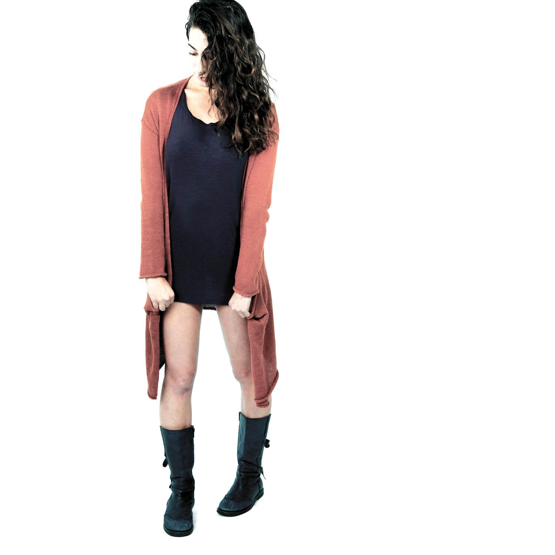 Adi-sweaterstand2.jpg
