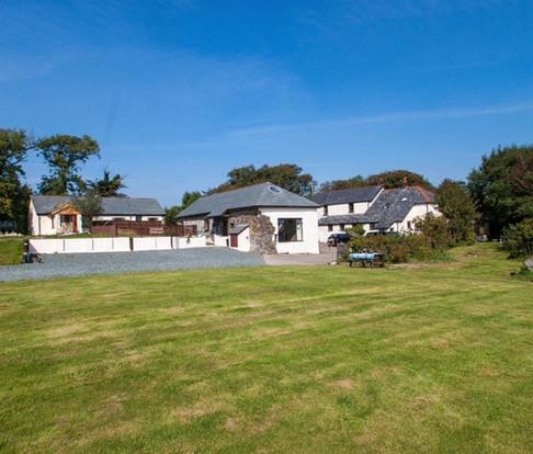 South Worden Farm Cottages Image.jpg