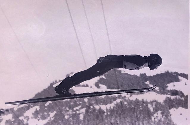 SkiJumpRoland1.jpg
