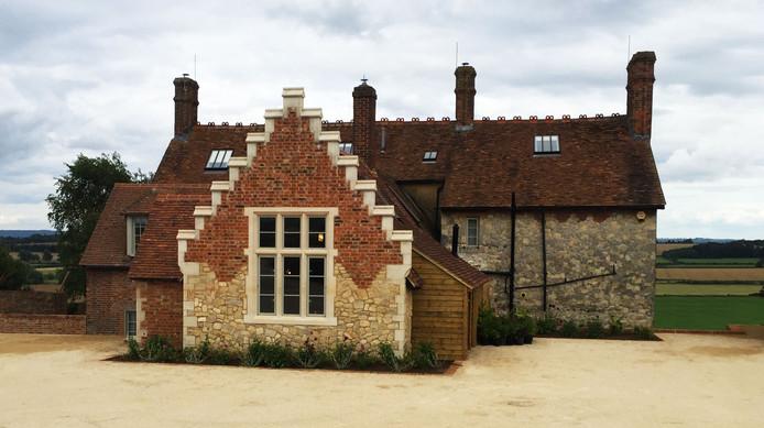 Beachingdon Farm House.jpg