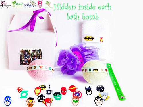 DC / Marvel Hidden Inside Gift Set