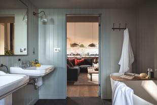 Redbrick Barn bathroom