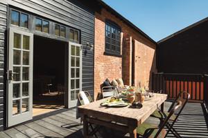 Redbrick Barn outdoor seating