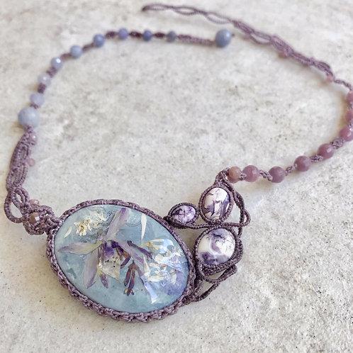 淡紫ランとティファニーストーンのネックレス