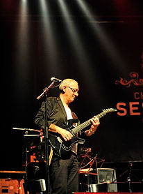 Giova Esposito//Guitars Le chef d'orchestre
