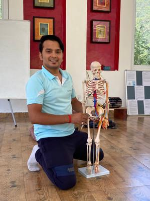 Anant Ji and friend Fred teaching us Anatomy :)