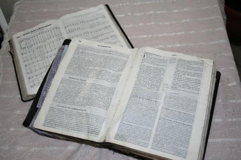 Biblia e Harpa Cristã Pr. Luiz - Acident