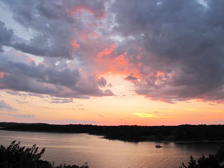 Pink Sunset at Table Rock Lake