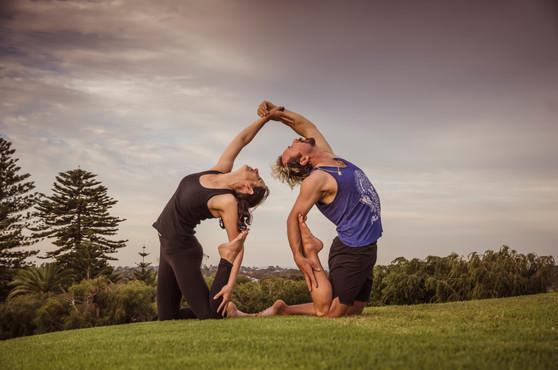 Acro yoga