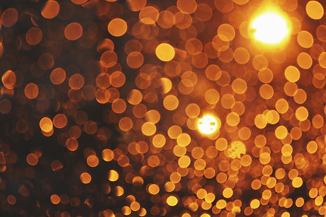 yellow-and-white-bokeh-lights-3728297.jp