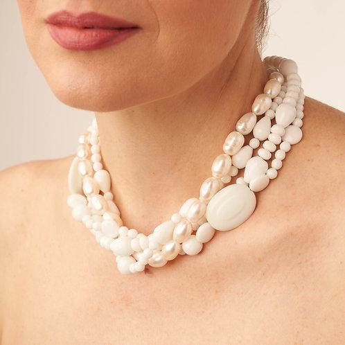 Collana in agata bianca e perle d'acqua dolce