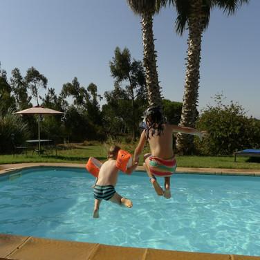 Familienfreundliche-Unterkunft-Ferienhaus-Pool-Alentejo-Portugal-Kinder-Familie.jpg