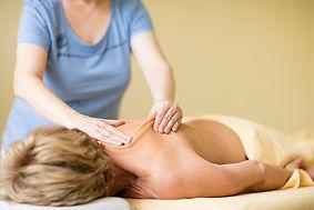 Klassische-Massage-Massagetherapie-Rücken-Nacken-Bern.jpg