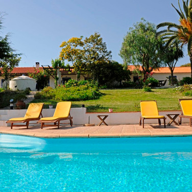 family-vacation-pool-portugal-alentejo.JPG