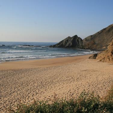 amoreira-Strand-Meer-Sandstrand-alentejo-costa-vicentina-Zambujeira-do-Mar-Odeceixe.jpg